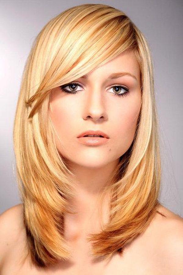 Corte de cabello degrafilado en capas largas con flequillo 2