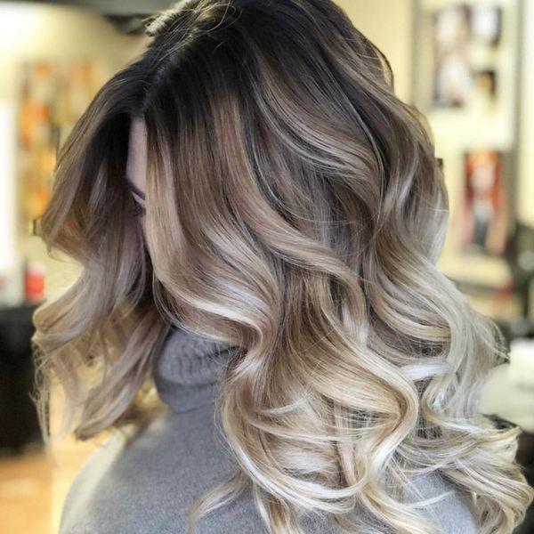 Balayage fr die blonden Haare mit Strhnen 1