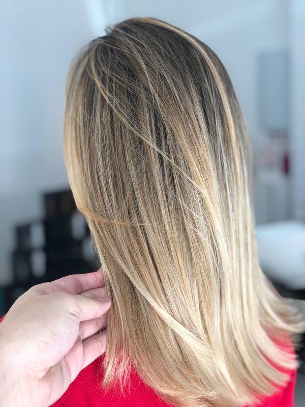 Ideas de cabello estilo mechas californianas rubias 6