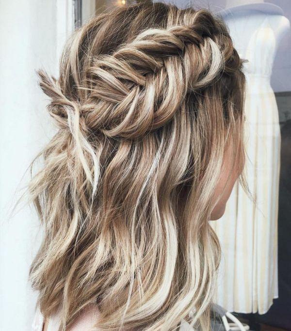 Peinados casuales con el pelo recogido 1
