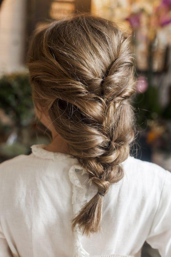 Peinados juveniles con el pelo recogido 4
