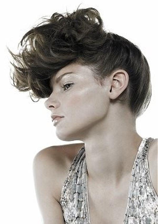 Rockabilly Frisur fr schulterlange Haare 7