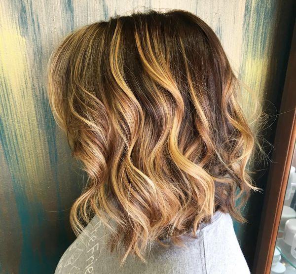 Kurze Haare mit braunblonden Strhnen 3