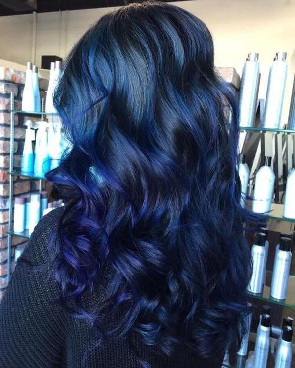 Moderne Trends der dunkelblauen Haare 4
