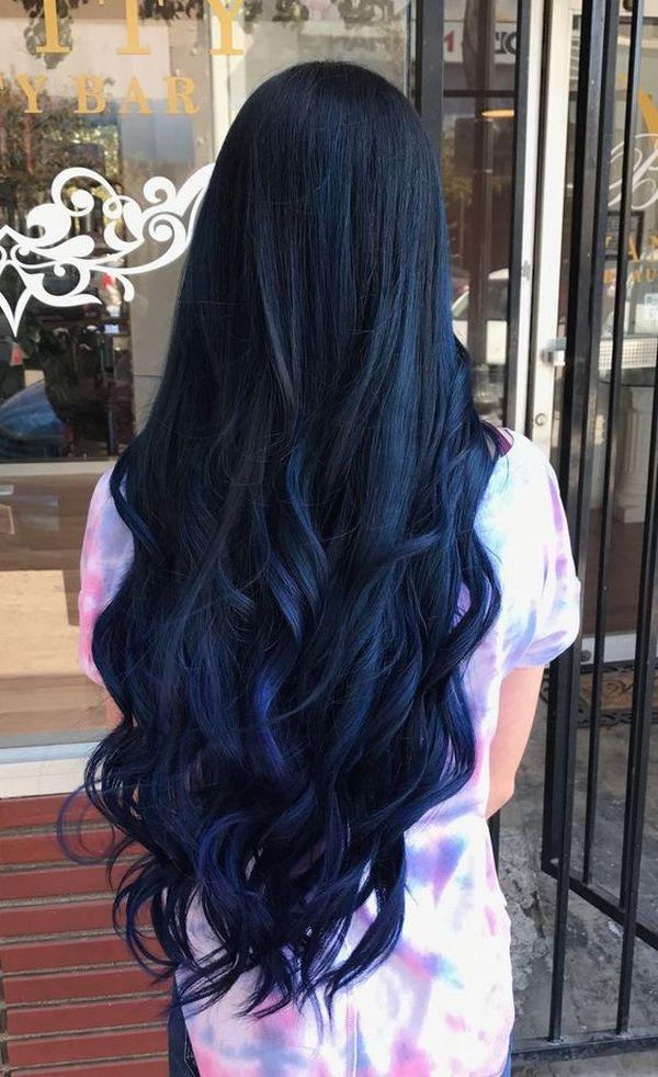 Moderne Trends der dunkelblauen Haare 5