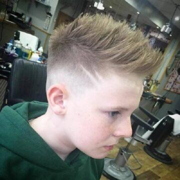 Trendige Frisuren für Jungs