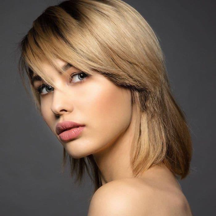 Moderner Stufenschnitt für mittellange Haare 1